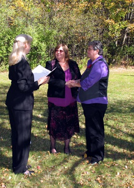Casual New Hampshire wedding with LGBT supportive officiant Jeanne Pounder, NH Justice of the Peace
